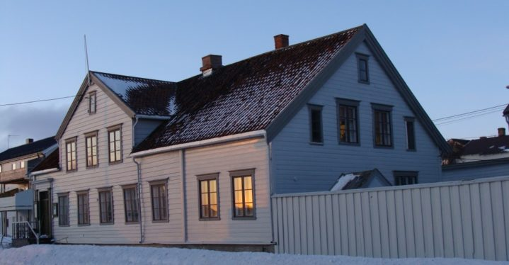 Museumsgårdene i Vadsø stengt under flytting