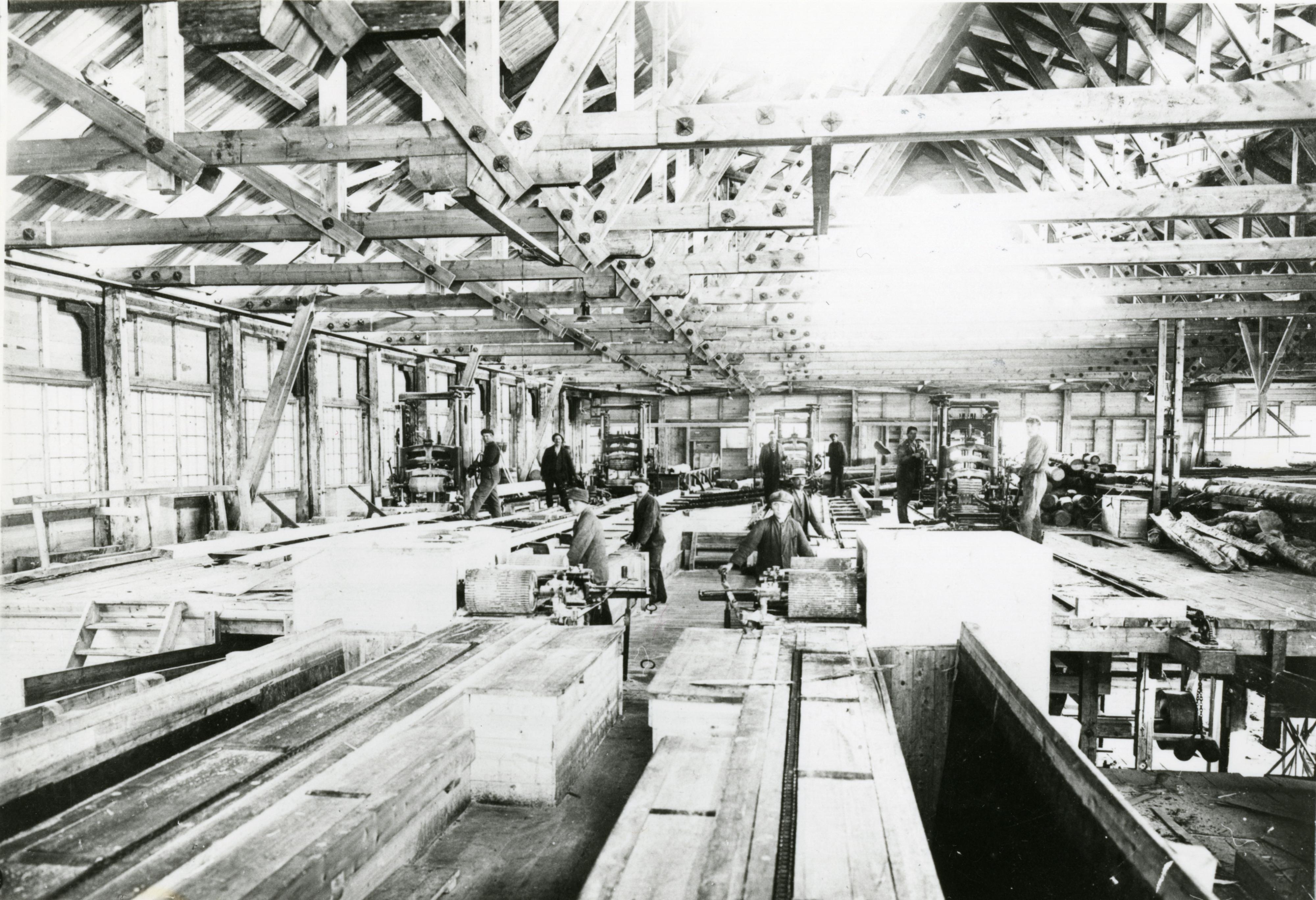 Fotokort: Sagbruket på Jakobsnes. Rammesag fra Pasvik Timber Co.