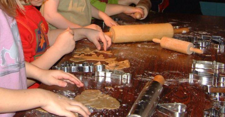 Juleverksted og pepperkakebaking på Tuomainengården